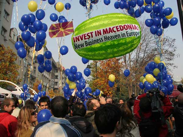 http://papata1962.blog.bg/photos/55898/original/Invest%20in%20Macedonia.jpg